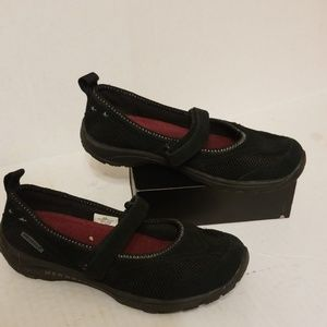 Merrell Mary Jane shoes women's size 6
